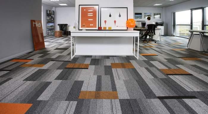 Wykładziny dywanowe w płytkach - płytki strukturalne i dywanowe