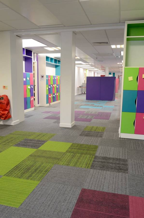 Colourful Structure Bonded 174 Corridors Enrich Primary School